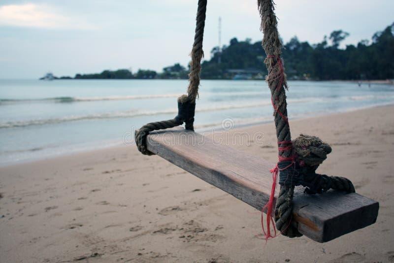摇摆和海滩在泰国 免版税库存照片