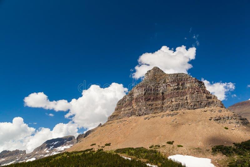 摇石通行证山风景在冰川国家公园 库存照片