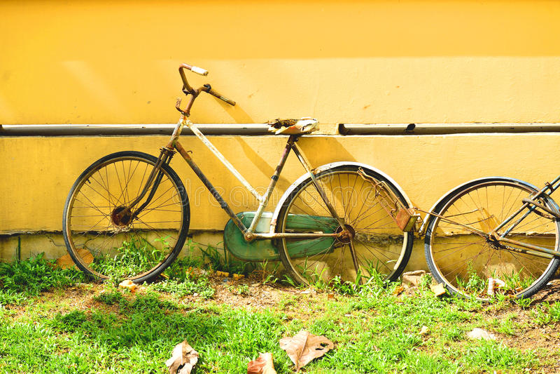 摒弃自行车 库存照片