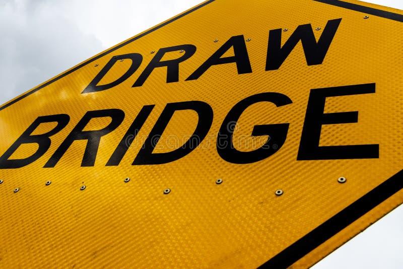 摘要肮脏的灰溜溜的吊桥标志关闭  免版税图库摄影