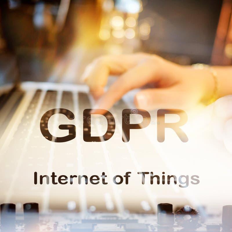 摘要,关闭Mainboard电子计算机背景 GDPR,一般数据保护章程 免版税库存图片