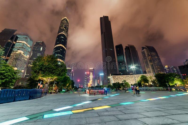 摩天大楼和其他现代大厦,广州夜视图  免版税库存图片