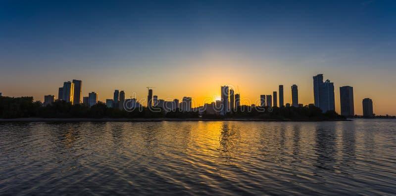 摩天大楼在沙扎city.UAE。 免版税图库摄影