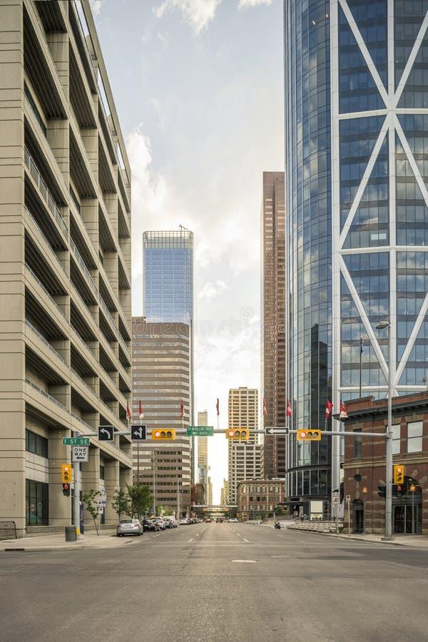 摩天大楼在街市的卡尔加里,亚伯大,加拿大 免版税库存照片