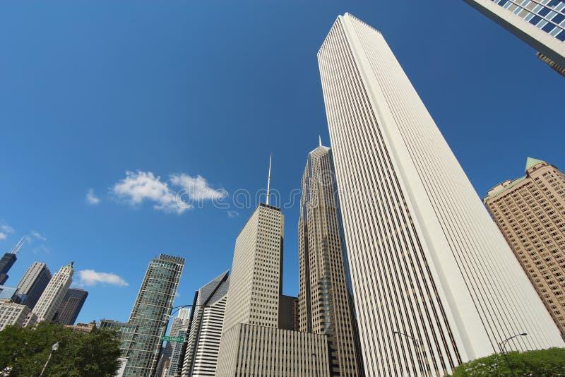 摩天大楼在街市芝加哥,伊利诺伊 免版税库存照片