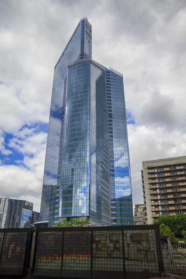 摩天大楼在巴黎- La Defanse 免版税库存图片