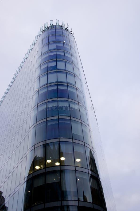摩天大楼营业所,在曼城队,英国,英国的公司大厦Windows  库存图片