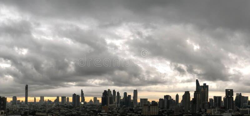 摩天大楼,街市,曼谷都市风景,雨云,泰国 库存图片