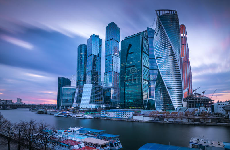摩天大楼 莫斯科市(莫斯科国际商业中心)晚上,俄罗斯 图库摄影