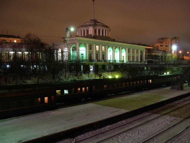 摩尔曼斯克火车站 免版税库存图片