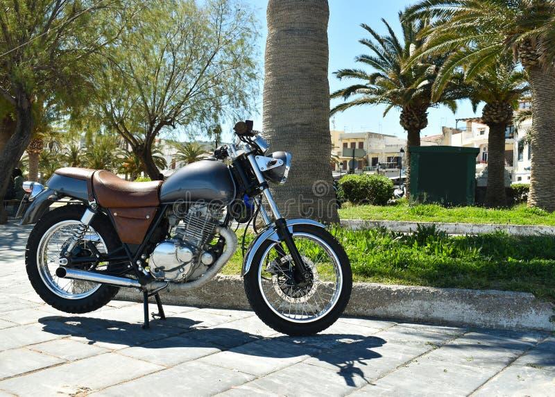 摩托车在城市 免版税库存图片