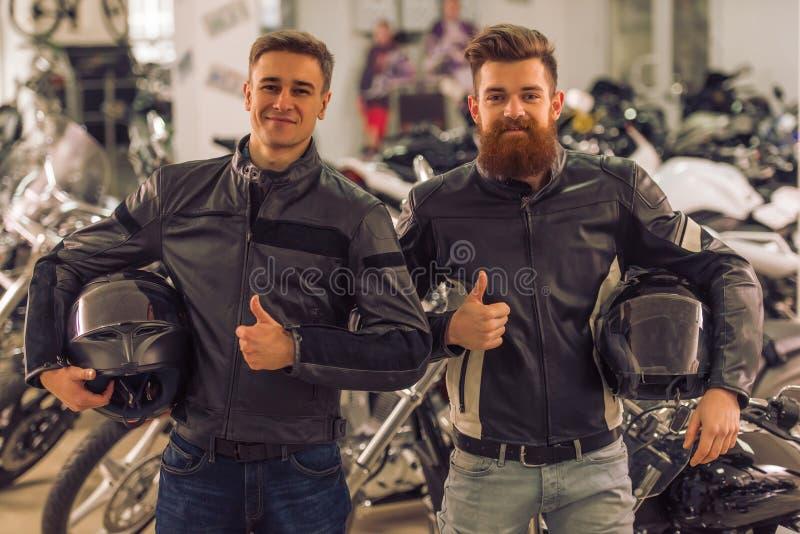 摩托车沙龙的人 库存图片