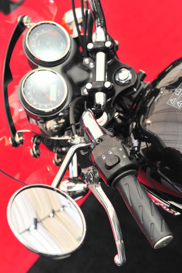 摩托车控制-接近的细节 库存照片