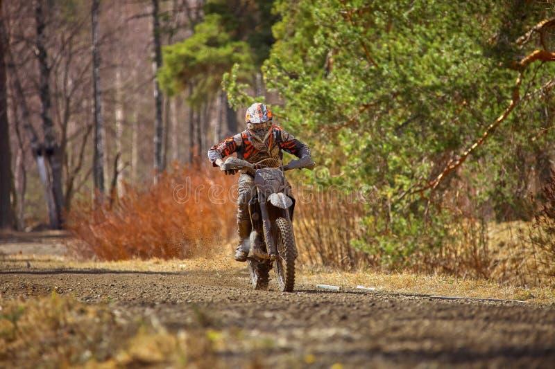 摩托车越野赛司机 图库摄影
