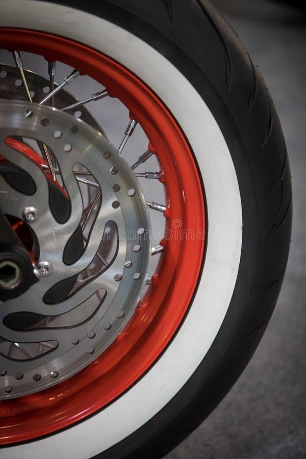 摩托车轮子细节 免版税库存照片
