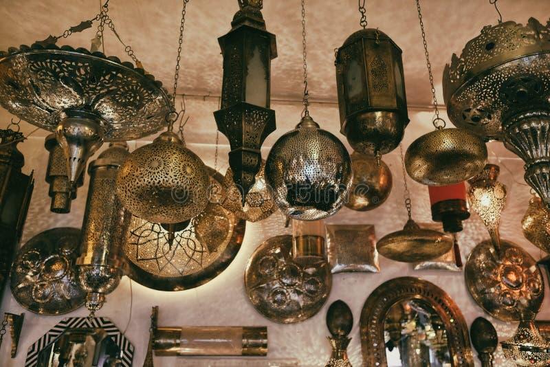 摩洛哥传统灯和灯笼在马拉喀什 免版税图库摄影