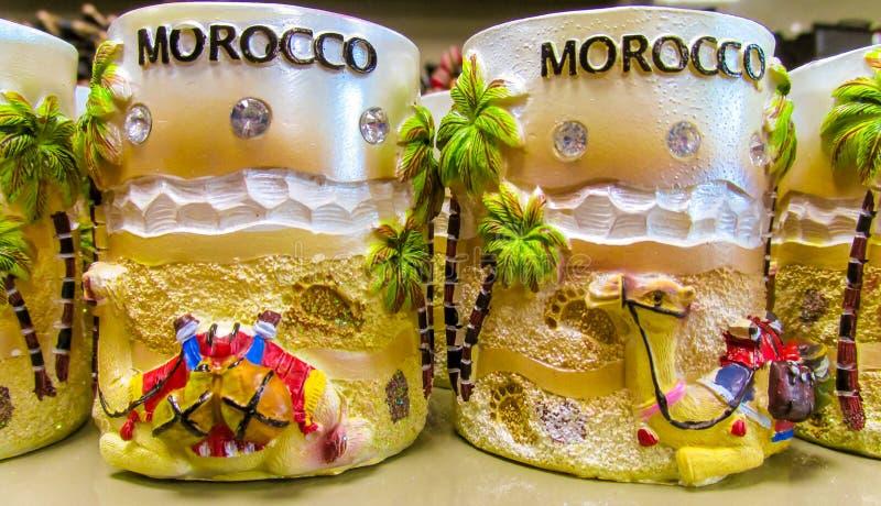 摩洛哥纪念品杯子在商店 库存照片