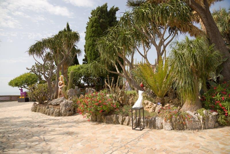 摩纳哥的异乎寻常的庭院 库存图片