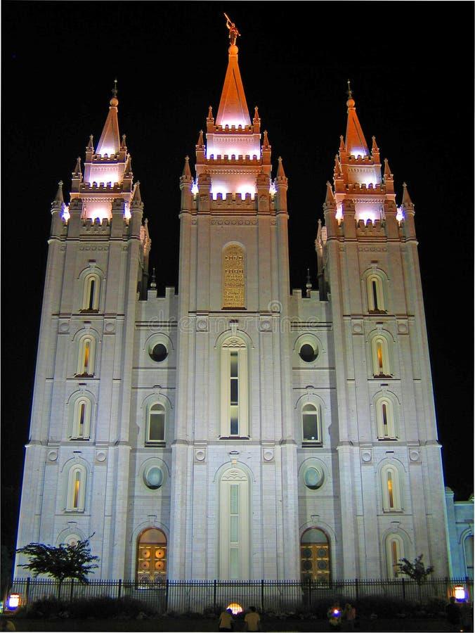 摩门教徒盐湖城寺庙在晚上 库存照片