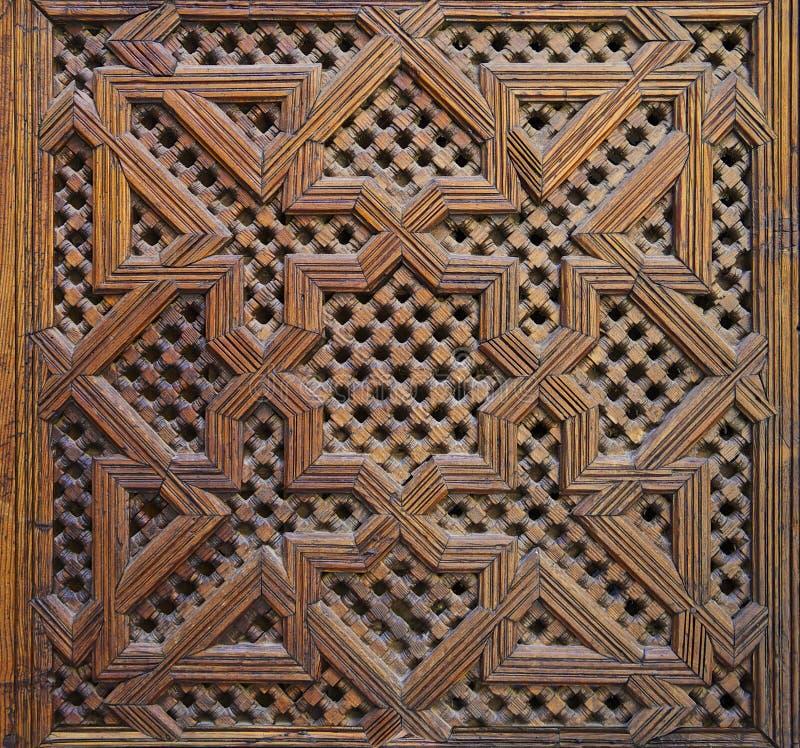 摩洛哥雪松木蔓藤花纹雕刻 免版税库存照片