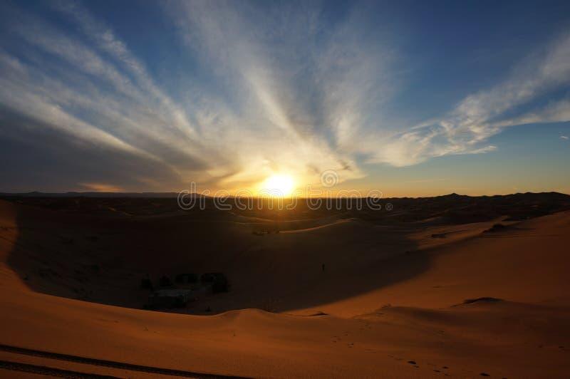 撒哈拉大沙漠日落 免版税库存图片