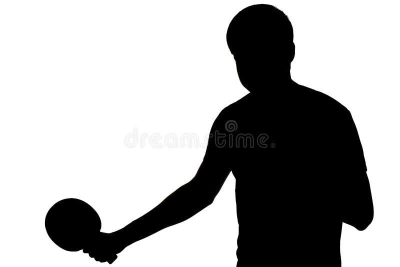 播放乒乓球球拍的男性的剪影 免版税库存图片