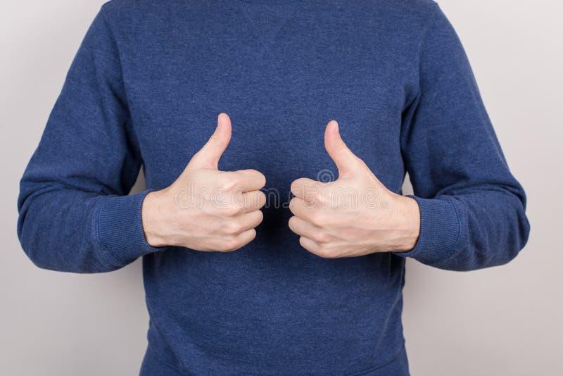 播种紧密确信的院长ceo学生教练的照相馆图象表达领导使用放弃两个手指的手 免版税库存图片