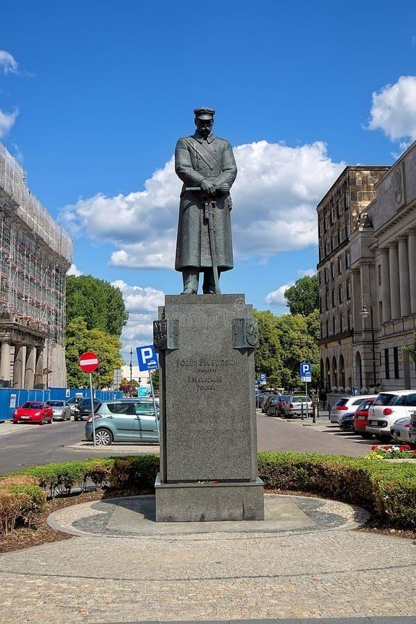 擦亮法警的纪念碑约瑟夫Pilsudski在华沙 库存照片