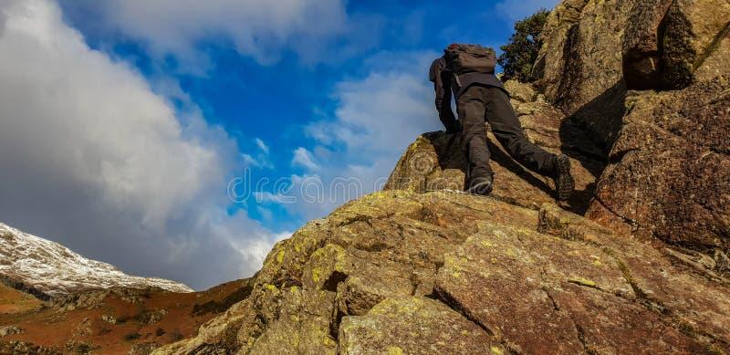攀岩在湖区 免版税库存图片