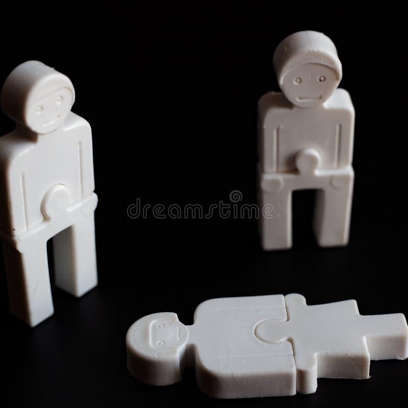 支持、吊唁,对心爱,下落的或者死的概念的例证的同情 人的情感从塑料的 库存图片