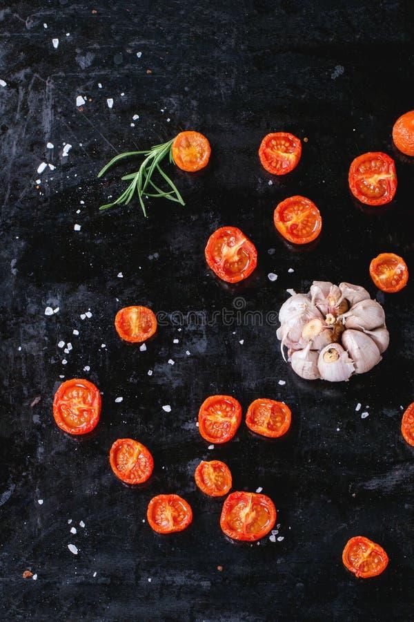 支持的蕃茄和大蒜 免版税库存图片
