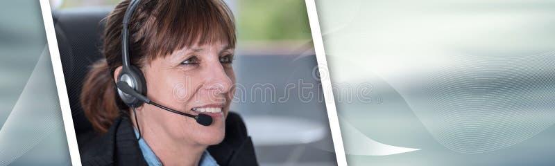 支持耳机的电话操作员 r 免版税图库摄影