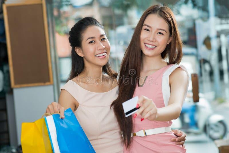 支付由信用卡 免版税图库摄影