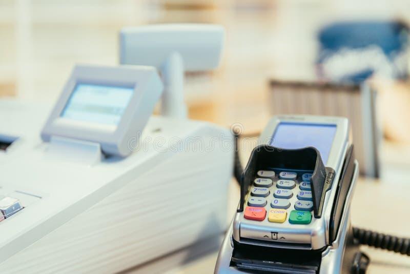 收款机在商店,销售 免版税库存照片
