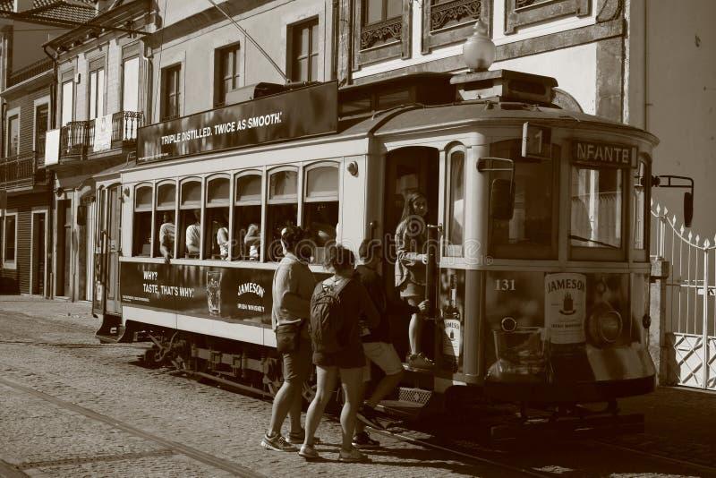收集游人的葡萄酒火车! 免版税库存照片