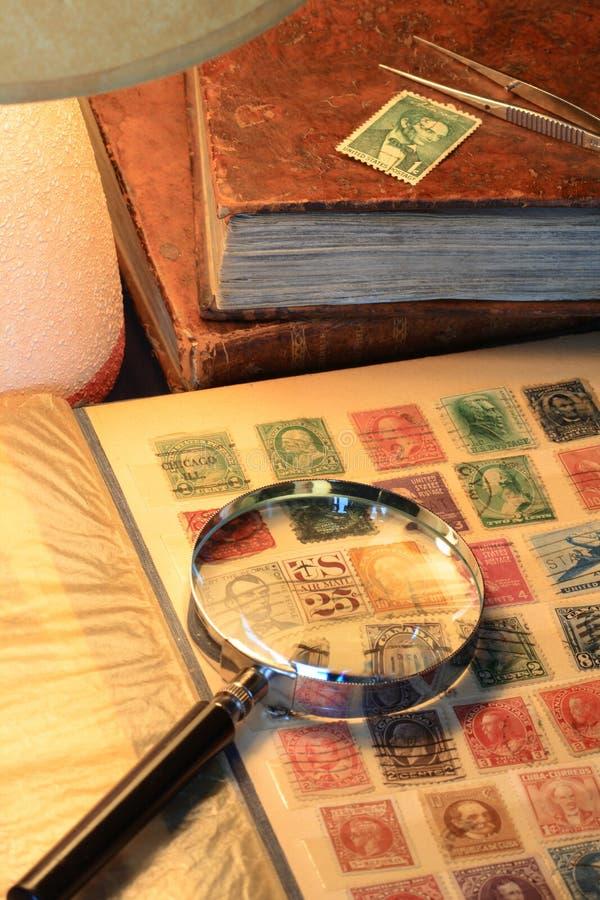 收集邮票 库存图片