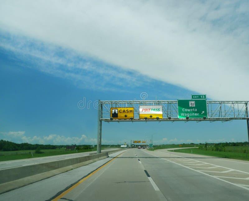 收费公路收费所标志,俄克拉何马收费公路当局 图库摄影