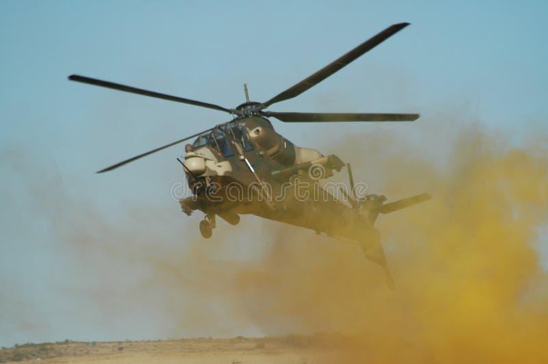 攻击争斗直升机rooivalk 免版税库存图片
