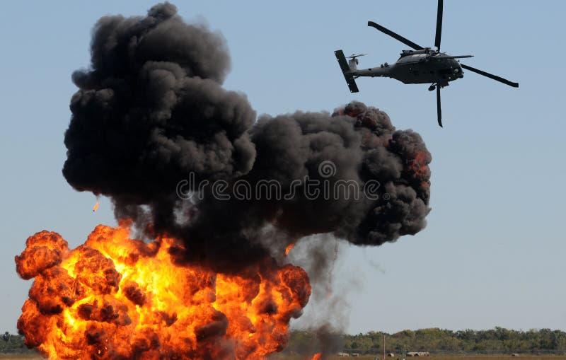 攻击地面直升机 免版税库存照片