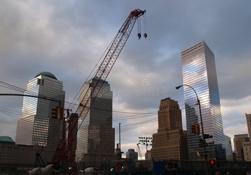 放光城市第一自由地面新的玫瑰色钢塔二约克零 图库摄影