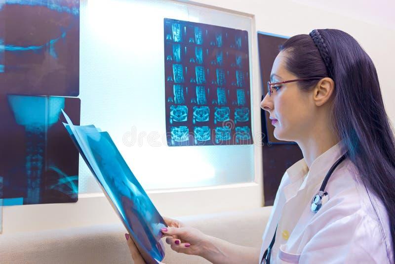 放射学医生的专业化 免版税库存图片