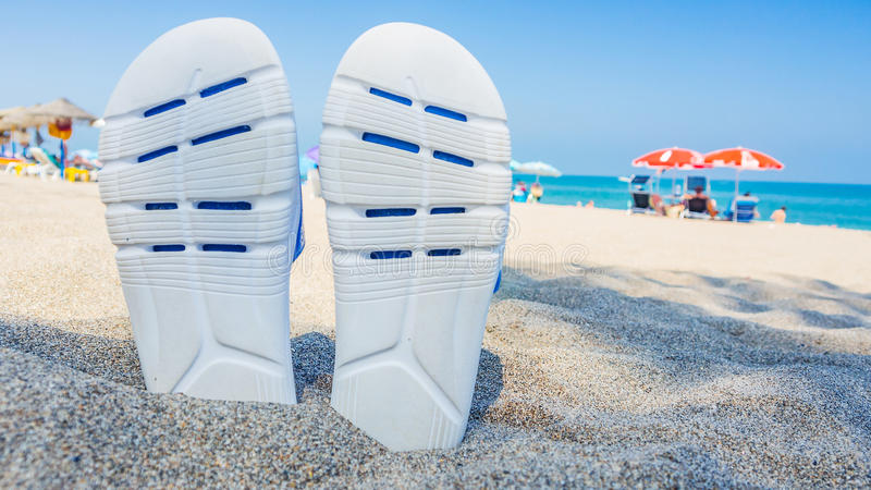 放松在西班牙海滨的时间 免版税库存照片