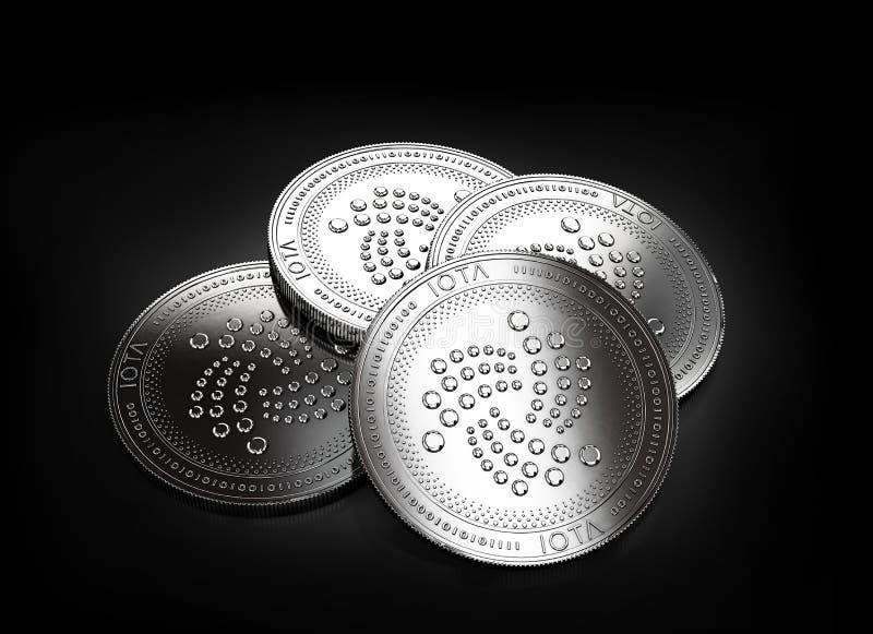 放置在黑背景的堆四枚银色IOTA硬币 库存例证