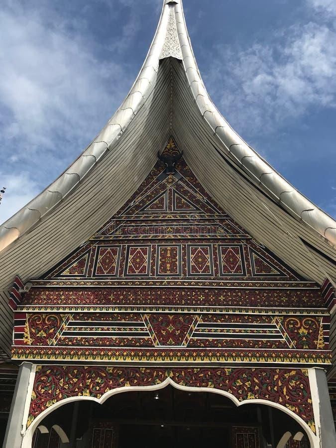 政府大厦大草场印度尼西亚Minangkabau建筑细节 免版税库存图片