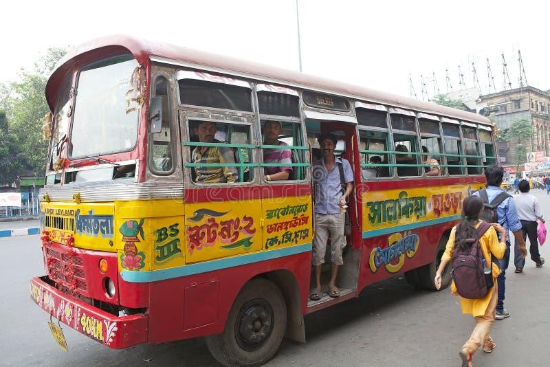 Download 政府奔跑公共汽车在加尔各答,印度 编辑类库存照片. 图片 包括有 导体, 传统, 安排, 文化, 印度, 街道 - 62528813