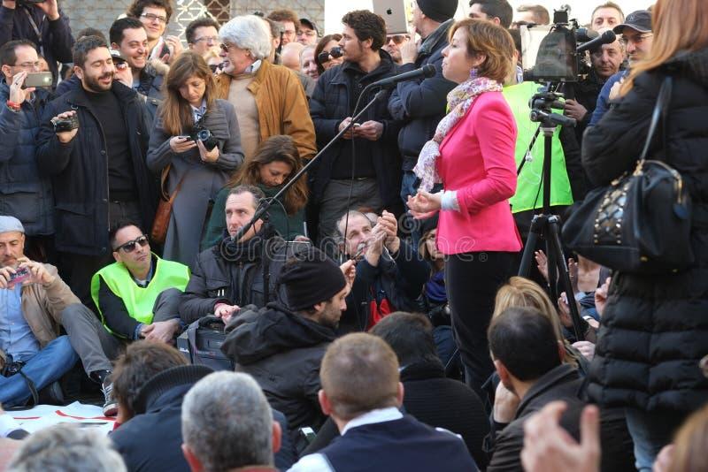 政治示范在罗马 免版税库存图片