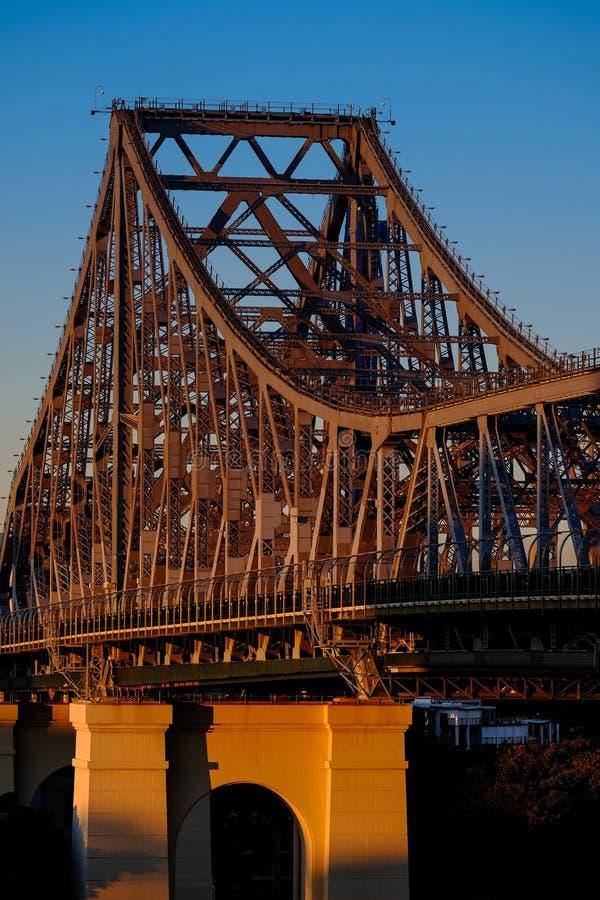 故事桥梁看法在布里斯班在黎明 免版税库存照片