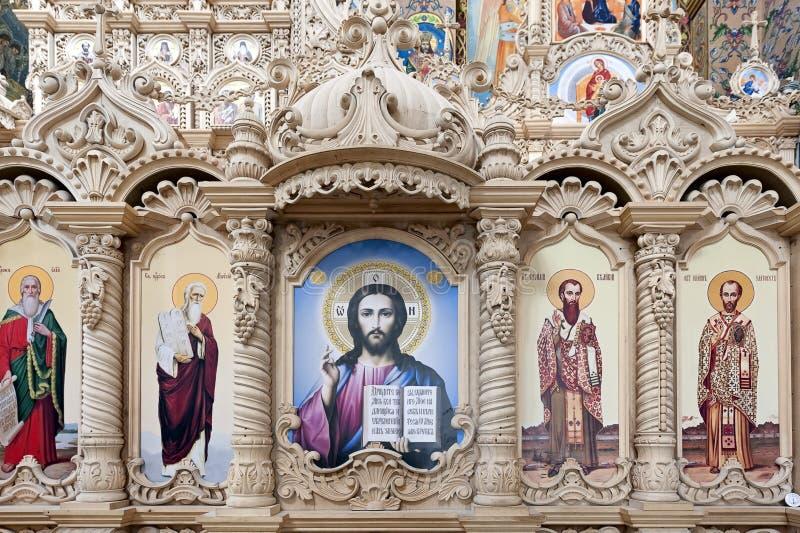 救主变貌大教堂的木iconostatis在Pochayiv拉夫拉,乌克兰 免版税库存图片