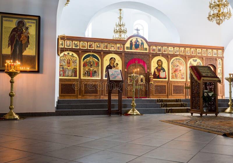救主大教堂的内部在圣乔治Yuriev Ort 免版税库存图片