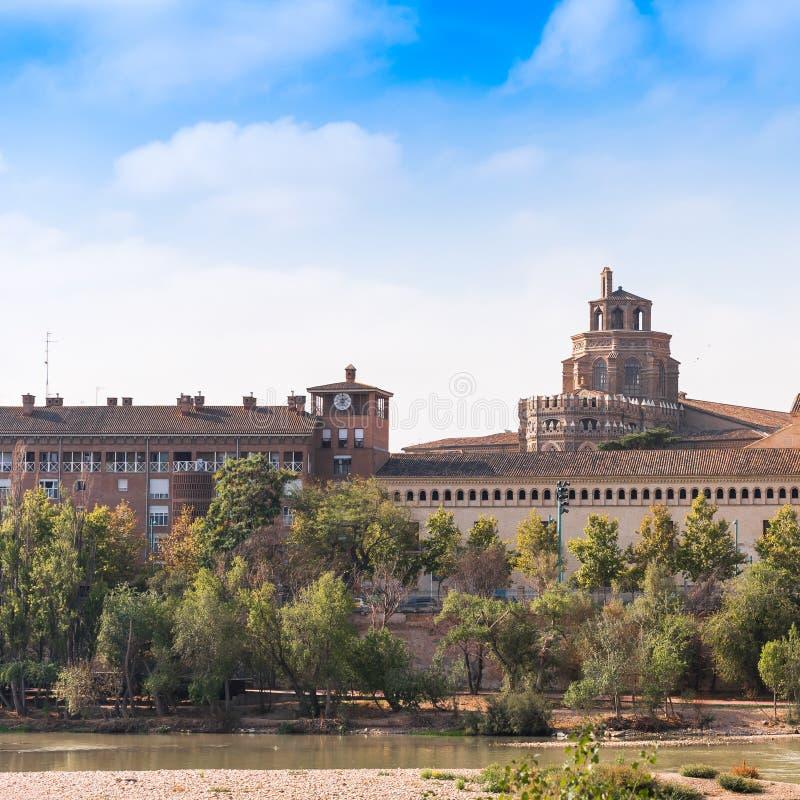救主或Catedral del萨尔瓦多的大教堂在萨瓦格萨,西班牙 复制文本的空间 库存照片